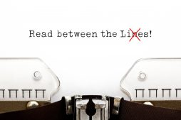 Schreibmaschine mit den englischen Worten